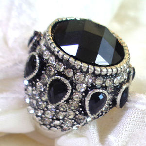 HAND CRAFTED SILVER RING MADE WITH RESIN CZ SIZE 7